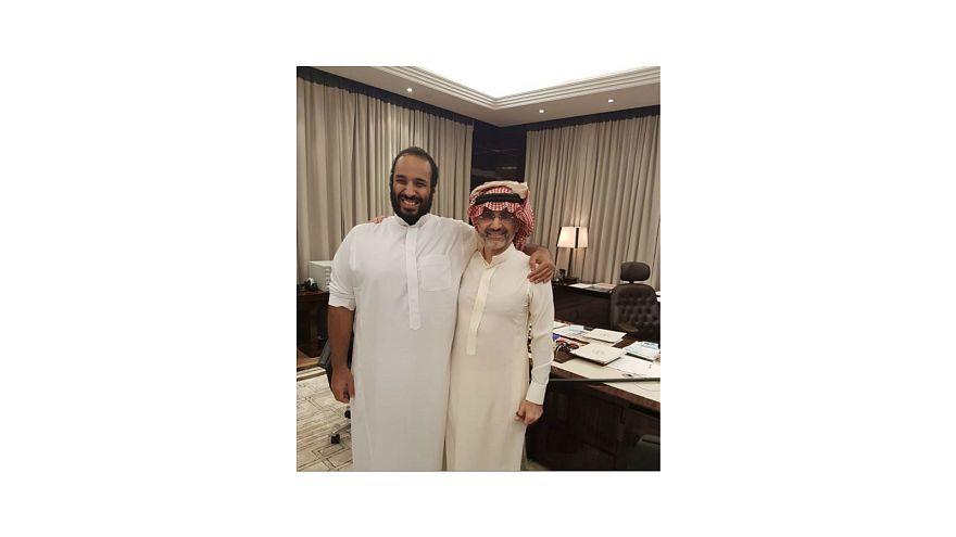 شاهد: بعد السجن... الوليد بن طلال يلتقي محمد بن سلمان