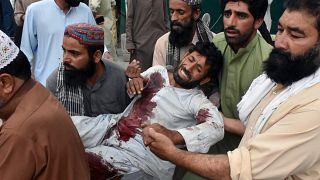 Pakisztán: Merénylet a politikai gyűlésen