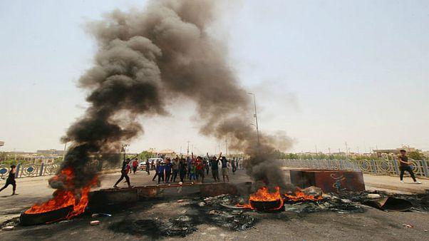 استئناف الحركة الجوية بمطار النجف عقب انسحاب المتظاهرين