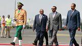 رئيس إريتريا يصل إثيوبيا في زيارة تاريخية لإنهاء الحرب
