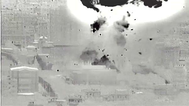 صور ليلية لعملية القصف