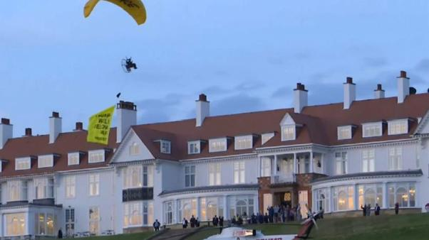 Протесты над гольф-клубом Трампа