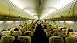 Übelkeit an Bord: 33 Ryanair-Passagiere untersucht