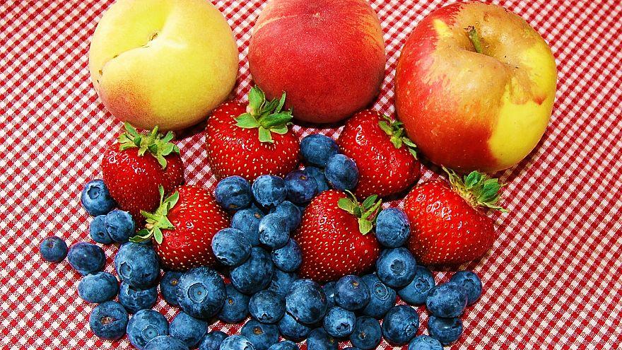 Yaz mevsiminde tüketilmesi tavsiye edilen 8 sporcu meyvesi