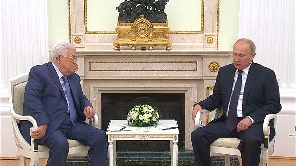 بوتين يلتقي عباس قبيل القمة الروسية الأمريكية