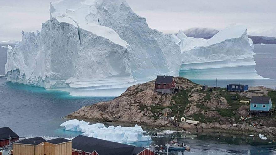 Grönland'daki köy buz kütlesinin yaklaşması sebebiyle tahliye edildi