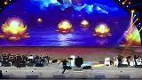 دستگیری یک زن سعودی به جرم بغل کردن خواننده مرد بر روی صحنه