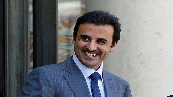 أمير قطر يتسلم رسميا استضافة بلاده لبطولة كأس العالم 2022