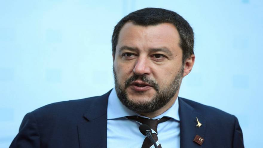 إيطاليا تنقذ مهاجرين وحكومتها تبحث عمّن يستضيفهم