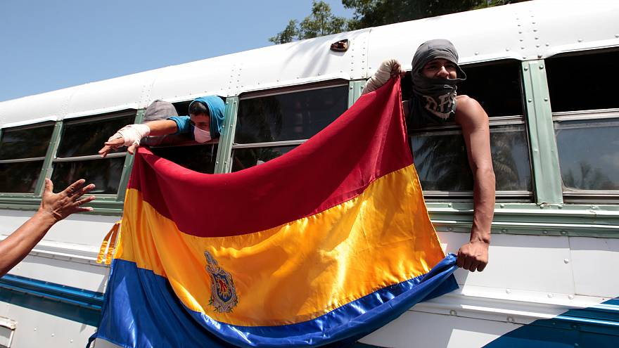 Nicaragua: 200 Studenten kommen aus belagerter Kirche frei