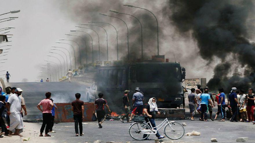 مقتل اثنين من المحتجين في اشتباكات مع قوات الأمن العراقية