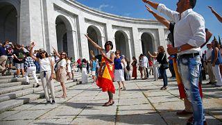 Manifestación contra el traslado de los restos de Franco