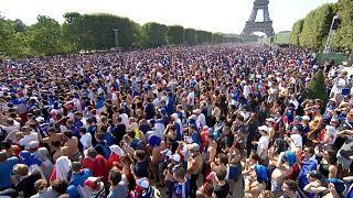 احتفالات عارمة تعم فرنسا ابتهاجاً بالفوز بكأس العالم