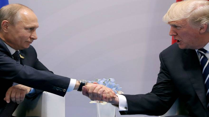عشية لقائه بوتين.. ترامب: روسيا والاتحاد الأوروبي والصين خصومنا