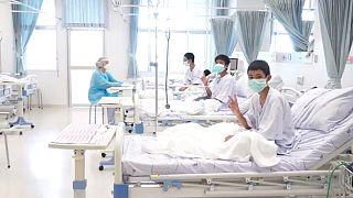 Csütörtökön hazamehetnek a thai fiúk