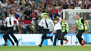 Les Pussy Riots font irruption en pleine finale de Coupe du Monde