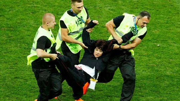 Pussy Riot invadiram a final para protestar contra Putin