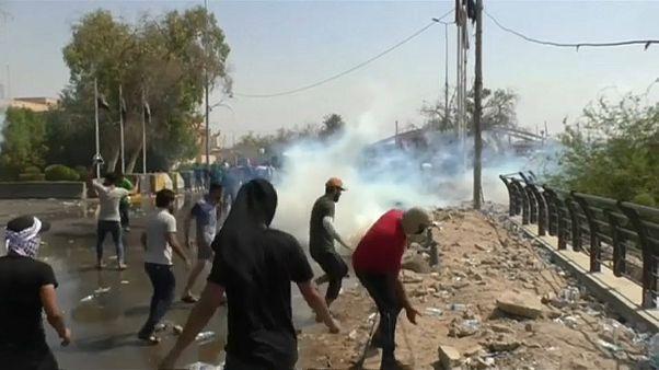 مقتل متظاهرين مع تصاعد الاحتجاجات في جنوب العراق