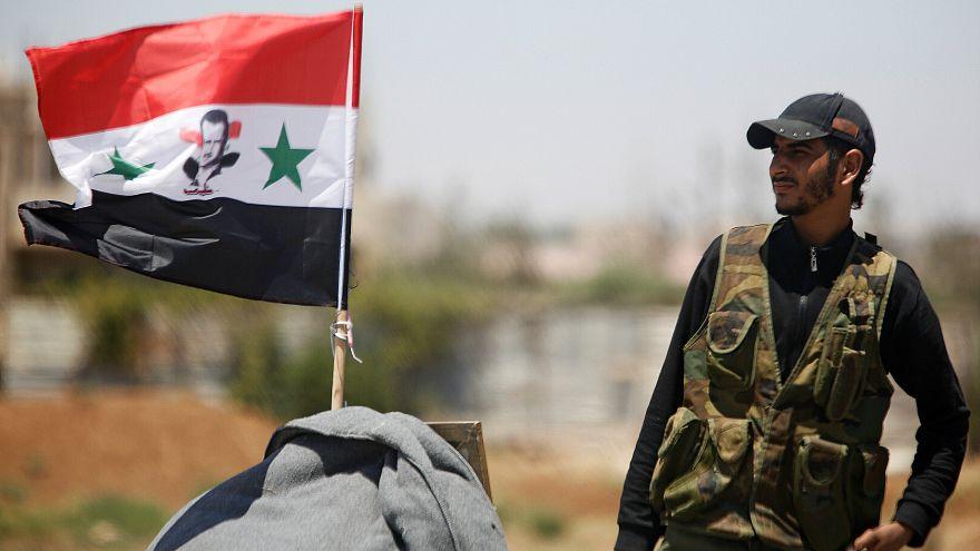 Dera'da bir Suriye askeri