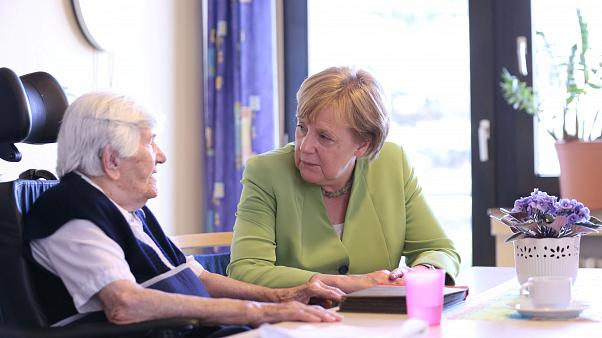 Merkel will Löhne für Pflegekräfte erhöhen