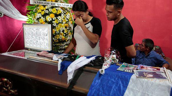 Nicaragua: enterrement d'une victime d'attaques des forces gouvernementales