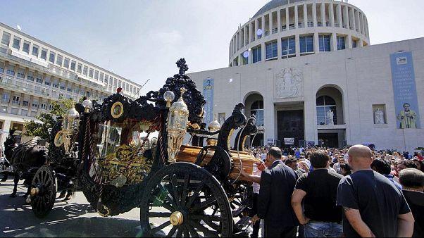 Il funerale show dei Casamonica