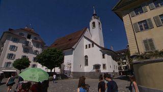 Luzerner Kirchturm spielt Klingeltöne ab