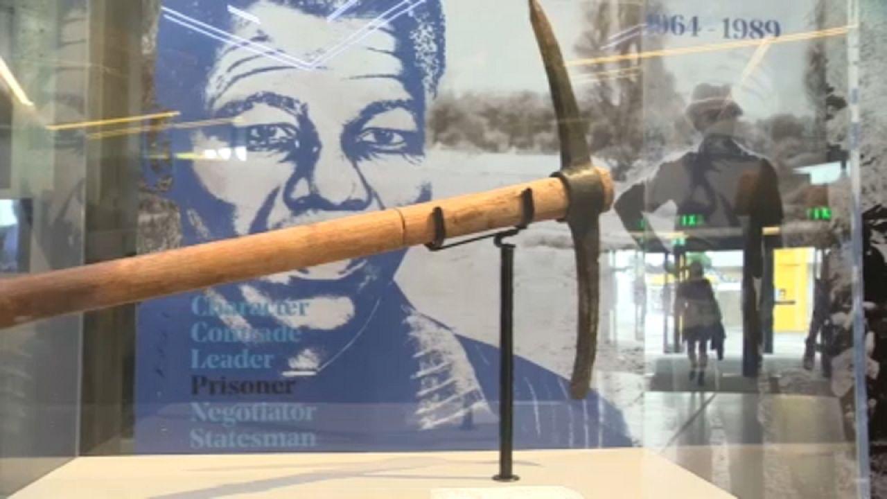 Londres celebra centenário do nascimento de Mandela com uma exposição