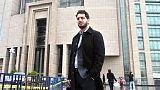 Deniz Yücel'in avukatı Veysel Ok'u yargılayan hakim davadan çekildi.