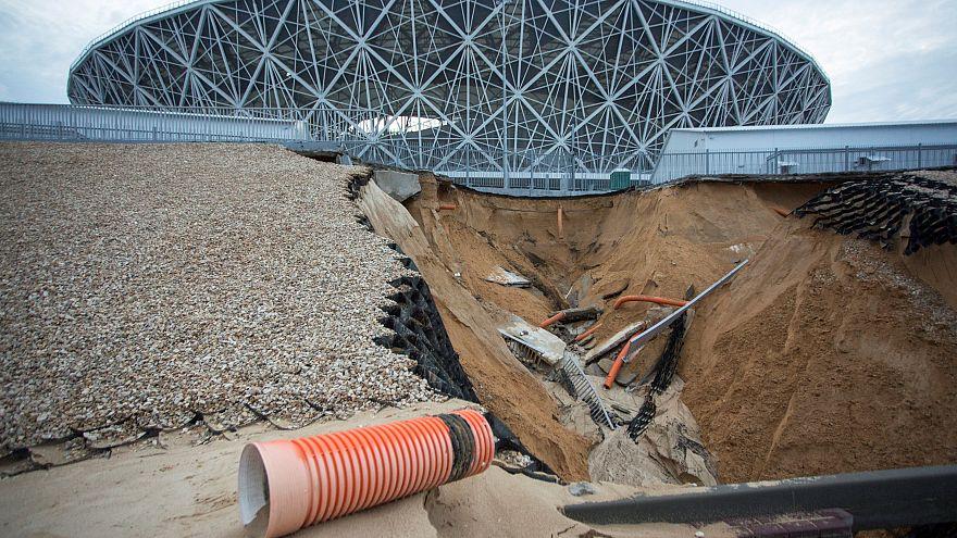 Schwer mitgenommen von einem Erdrutsch: Das Stadion in Wolgograd
