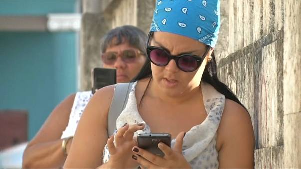 Bientôt internet sur les portables cubains?