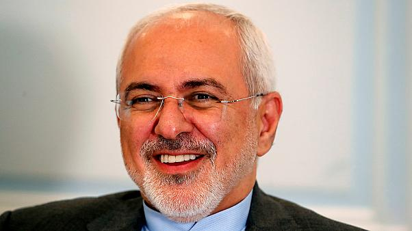 """Iran, Zarif: """"L'Ue deve decidere da che parte stare"""""""