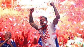 شاهد: نصف مليون كرواتي يستقبلون فريقهم في العاصمة زغرب