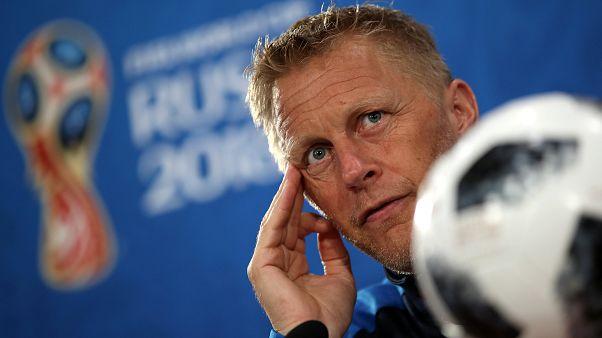 Clapping de fin pour le coach islandais