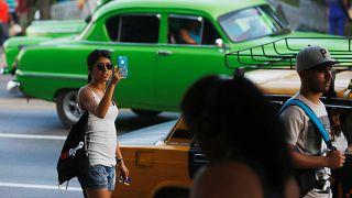 Los teléfonos móviles ya tendrán Internet en Cuba