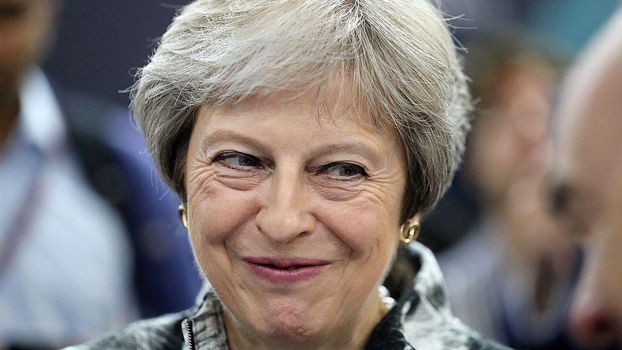 May trava conservadores pró-europeus