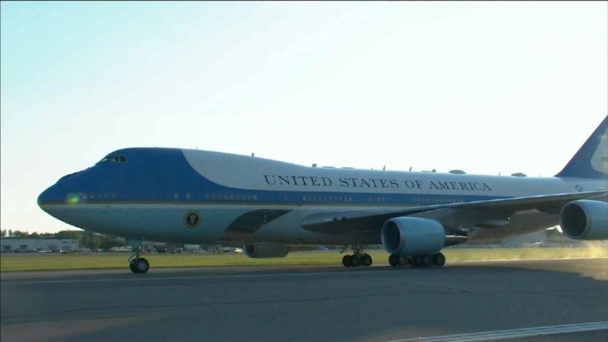 Trump ordina i nuovi Air Force One: saranno rosso, bianco e blu