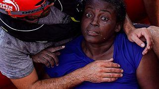 Segítségnyújtás elmulasztásával vádolja a líbiai parti őrséget egy mentőhajó kapitánya