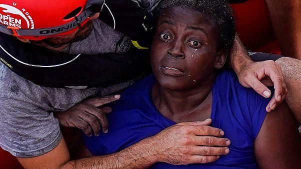 Josefa, unica sopravvissuta al naufragio. Le versioni di Libia, Open Arms e n-tv