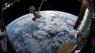 شاهد : مقاطع مصورة للولايات المتحدة وإفريقيا من الفضاء