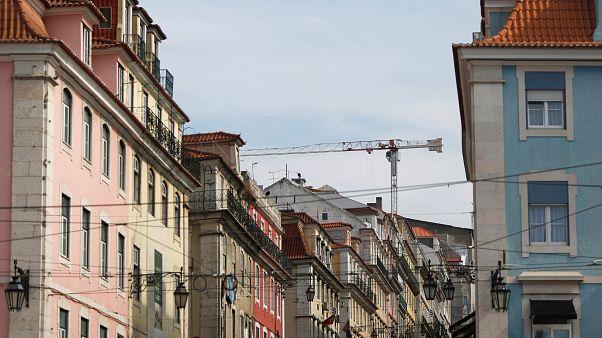 Parlamento aprova medidas mais rigorosas para o alojamento local