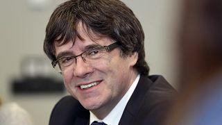 Puigdemont: egyelőre nem viszik haza a volt katalán elnököt