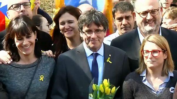 Суд Испании отзывает ордер на арест Пучдемона