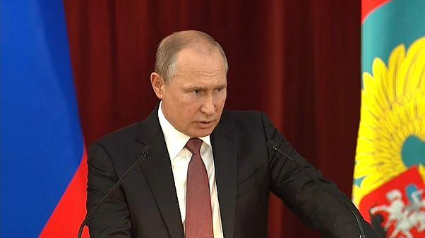 Putin lobt Trump, warnt Nato