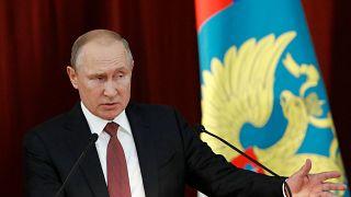 """Putin al corpo diplomatico: """"basta provocazioni alla Russia"""""""