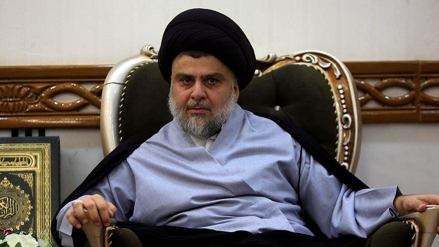 مقتدى الصدر يدعم الاحتجاجات في العراق ويطالب بتأجيل تشكيل الحكومة