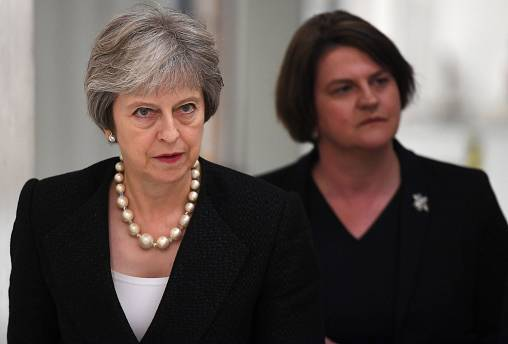 Brexit: Theresa May nell'Irlanda del Nord