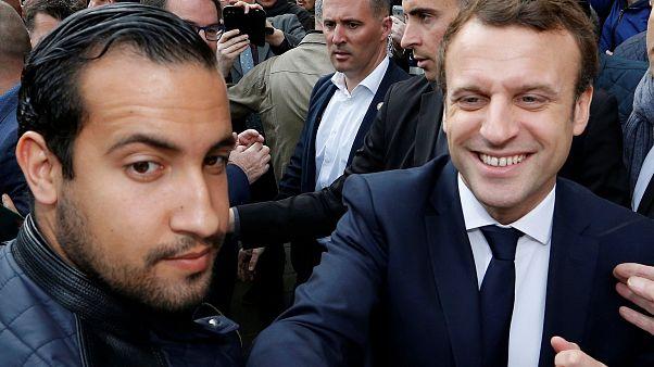 Ο Εμανουέλ Μακρόν με τον Αλεξάντρ Μπεναλά στις 5 Μαϊου 2017
