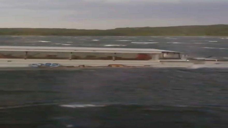 شاهد: اللحظات الأخيرة قبل غرق قارب في ولاية ميسوري الأمريكية