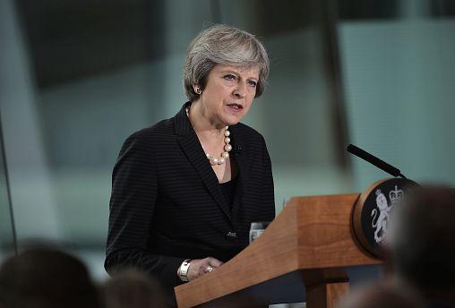 ماي ترفض إبقاء إيرلندا الشمالية ضمن النظام الجمركي للاتحاد الأوروبي